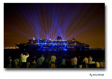Cunard Concludes 175th Anniversary with Light and Sound Show in New York Harbor