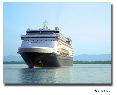 Mazatlan announced today the return of the first of three major cruise lines to its port, welcoming more than 1,300 passengers on Holland America's ms Veendam ship.