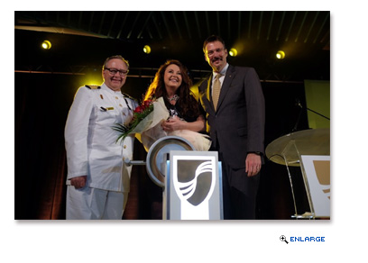 Pictured (L to R): Seabourn Captain Mark Dexter, Sarah Brightman and Seabourn President Richard Meadows